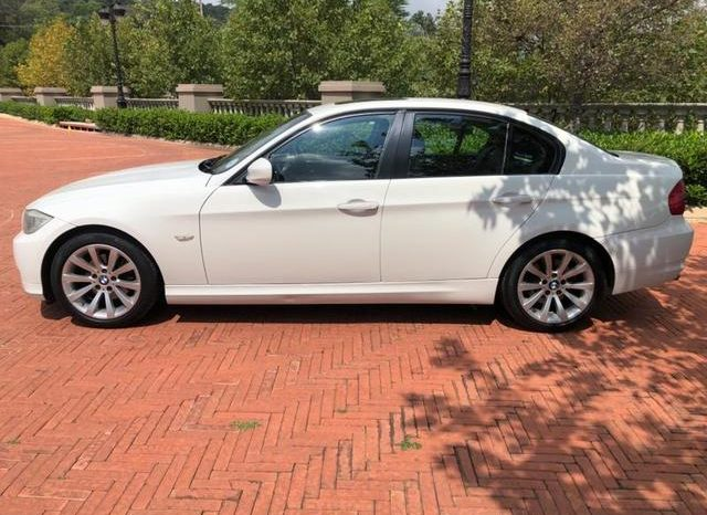 USED 2011 BMW 3 Series Sedan 320i Steptronic full